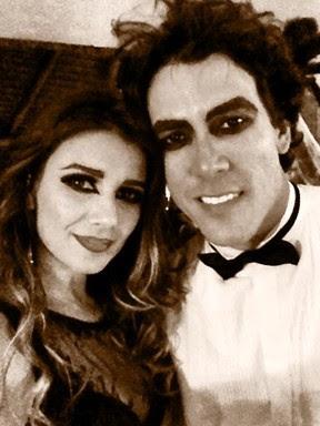 Paula Fernandes com o namorado, Henrique, em festa de Helloween  (Foto: Twitter/ Reprodução)