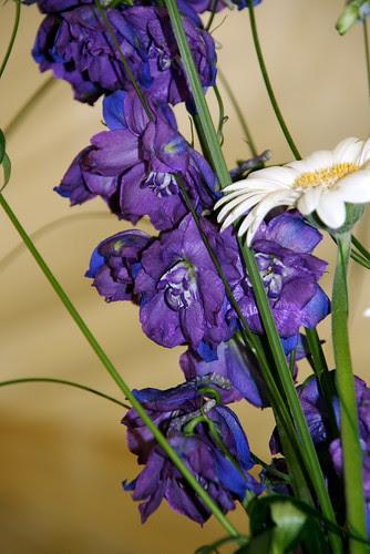 white wedding floral arrangements. hairstyles wedding flower arrangements white wedding floral arrangements.