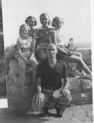 MaryBeth,Claudette,Barbara,Sandra,&GeorgeRogers