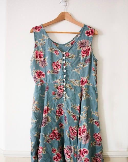 Shop Chic Sold Vintage Floral Blue Floral Dress Sz Sm