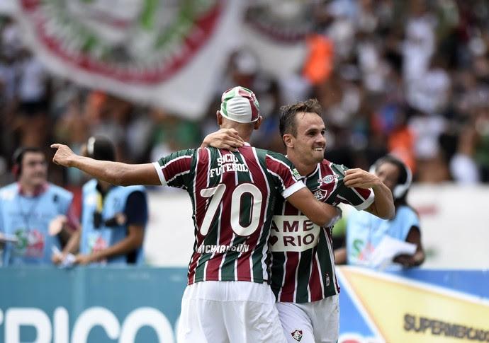 Lucas comemora com Richarlison gol no Fluminense x Flamengo - Final da Taça Guanabara 2017 (Foto: André Durão)