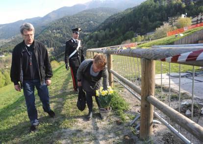 Cevo, si è spezzata la croce dedicata a Wojtyla: muore un ragazzo