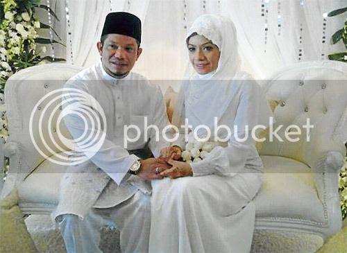 gambar kahwin ustazah sharifah khasif