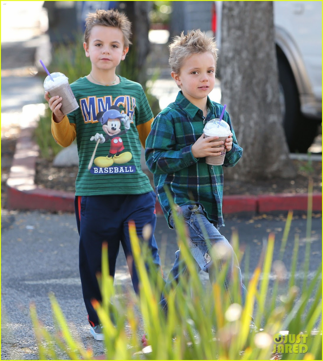 britney spears coffee bean with sean preston jayden james 02
