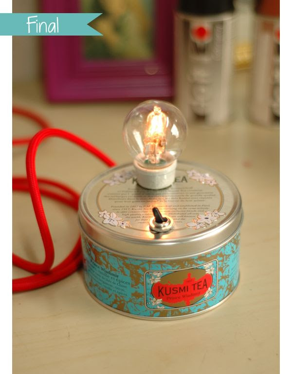 DIY tea light from an old tin.... (Google Chrome will translate French) ... http://thepinkbirdblog.com/fabriquer-une-lampe-avec-une-boite-a-the/
