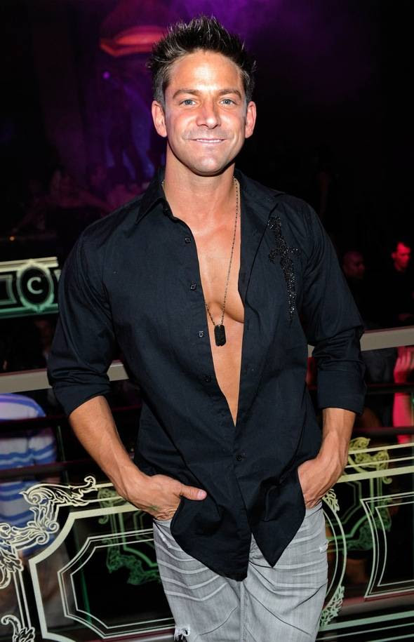 http://www.hauteliving.com/wp-content/uploads/2011/06/Jeff-Timmons-at-Chateau.jpg