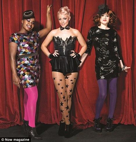 Muda de roupa: Misha B e Janet transformada em vestidos brilhantes, mas Amelia Lily optou por ficar em seu corset como eles falaram sobre seu tempo no X Factor