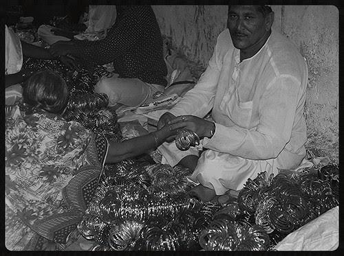 Apke Hathon Ki Lakeeron Ko Churaya Hamne ,,,Isi Bahane Kanch Ki Chudiyan Apki Kalai Par Bichai Hamne by firoze shakir photographerno1