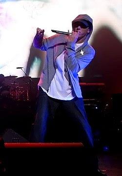 Eminem performing live at dj hero party.jpg