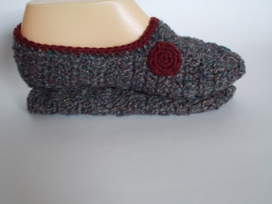 House Slippers From Reclaimed Yarn Sz Med 7-8 by hotflashknitting