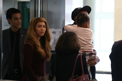 Pregnant Beyoncé Seen Crying While Running Errands With Blue Ivy: Where's Jay Z? | Celeb Dirty Laundry