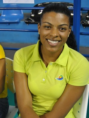 Fernanda Garay comemora retorno ao Brasil