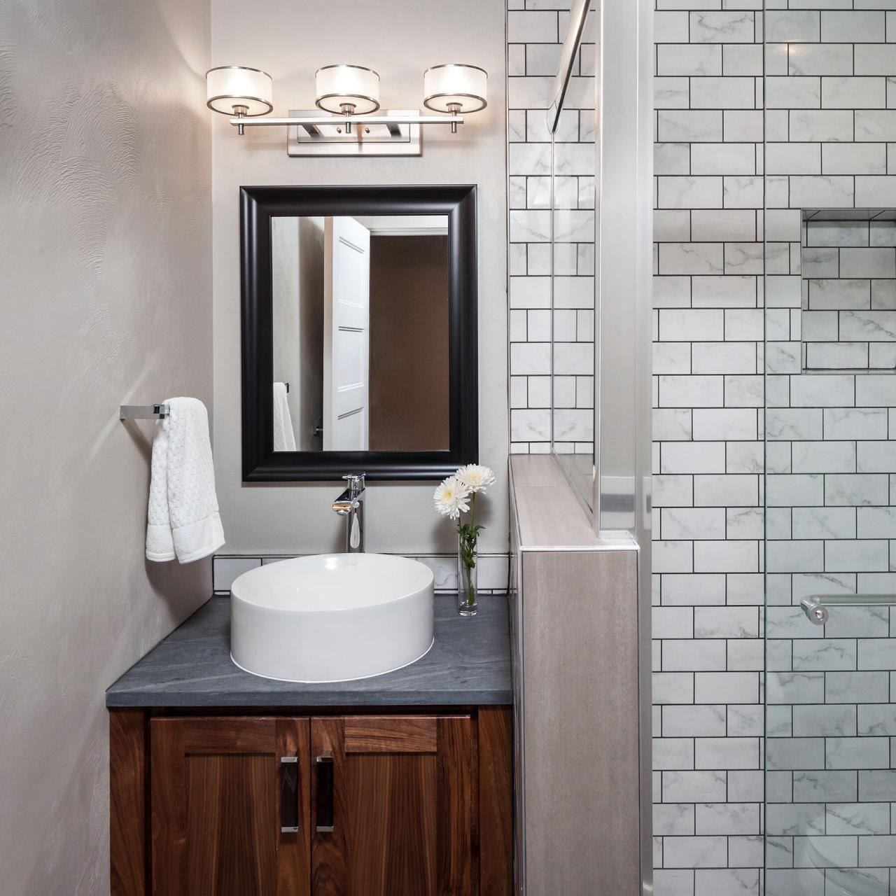 Small Bathrooms | HGTV
