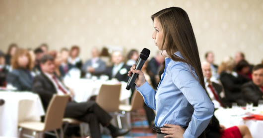 How Speaking at Conferences Can Help Your Exposure & Expertise - Search Engine Journal