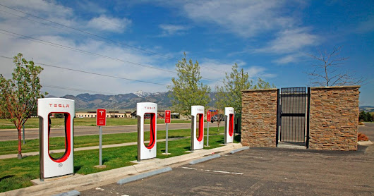 Tesla Wants to Put Convenience Stores at Its Charging Stops