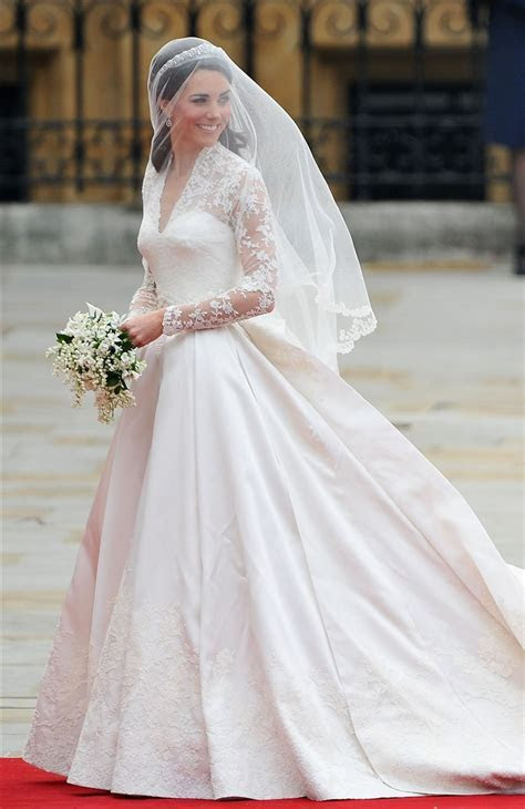 This H&M wedding dress looks like Kate Middleton's ? and