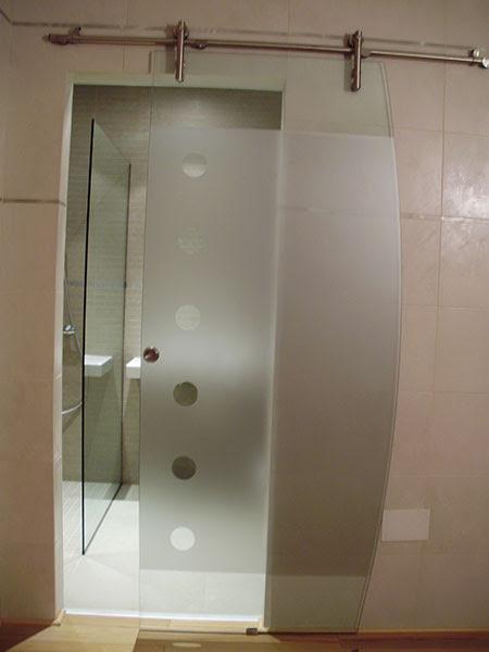 Dormitorio muebles modernos mamparas de cristal para banos - Puertas para el bano ...