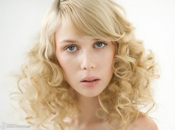 Hasil gambar untuk Tips for Long-Lasting Hair Curls