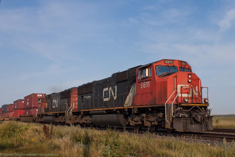 CN 5611 outside Winnipeg