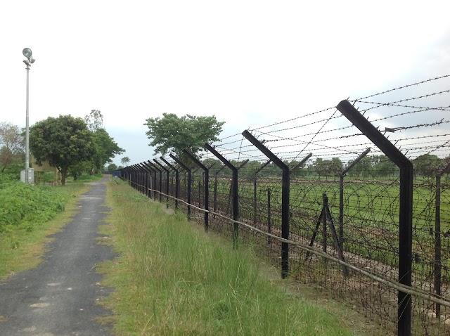 बॉर्डर से जुड़ी सीमाओं पर बांग्लादेश का दूरसंचार सेवा बंद।