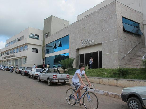 Centro Cultural é o novo cartão postal de São Gonçalo do Rio Abaixo (Foto: Darlan Alvarenga/G1)
