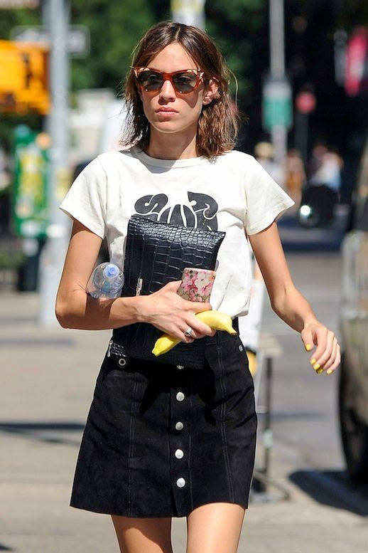 Le Fashion Blog Celebrity Style Alexa Chung Cat Eye Sunglasses Black And White Graphic Tee Croc Embossed Clutch Suede Button Down Skirt Via Chung It Up