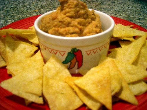 Smoky Chipotle-Pinto Hummus and Tortilla Chips