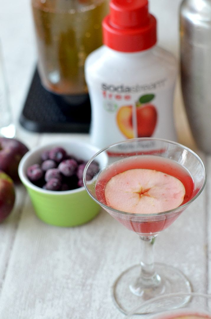 Cherry & Apple Fizz Cocktail