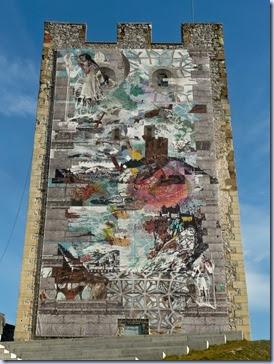 grajski stolp s transparentom