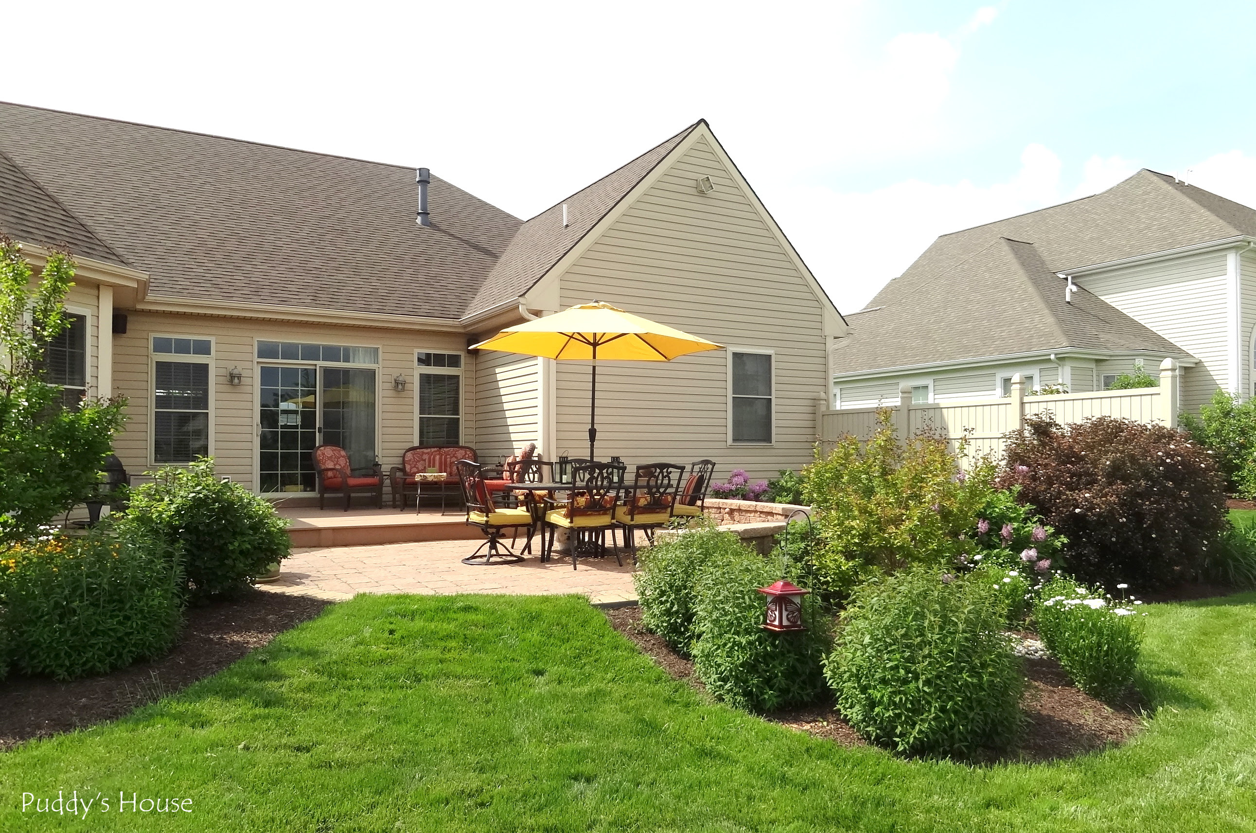 Landscaping Style - Puddy's House