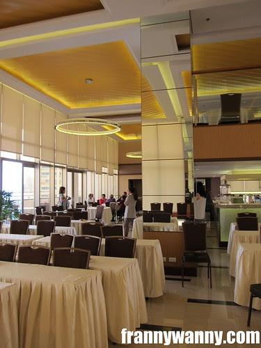 ramada hotel 8