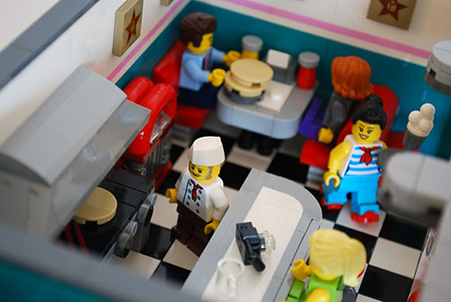 LEGO Review: Downtown Diner [10260]