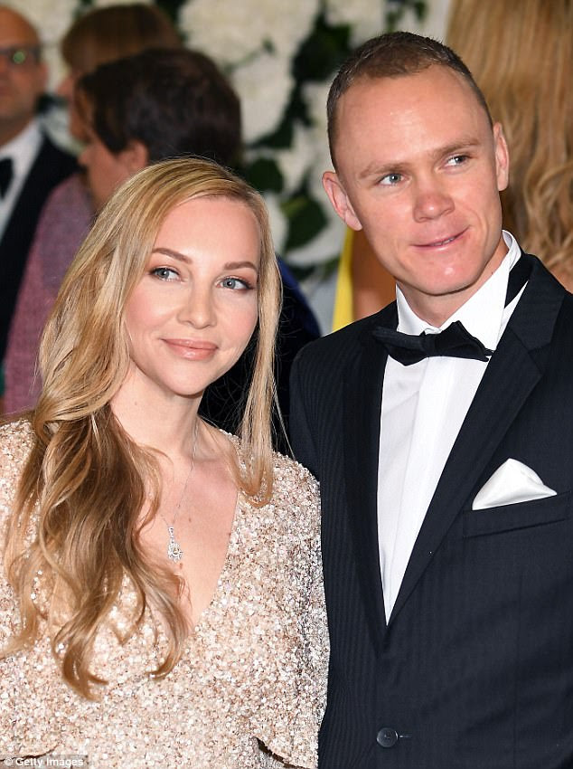 Casal feliz: quatro vezes o vencedor do Tour De France, Christopher Froome e a esposa, Michelle Cound, pareciam glamorosas na festança