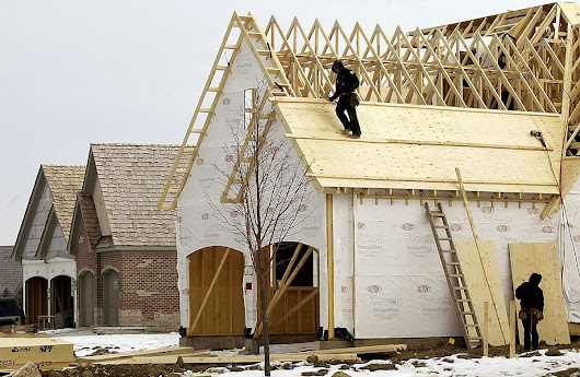 How Should Homebuilders Positions Themselves for 2016?