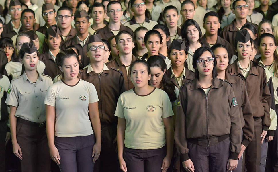 Resultado de imagem para cresce o numero de escolas militares no brasil