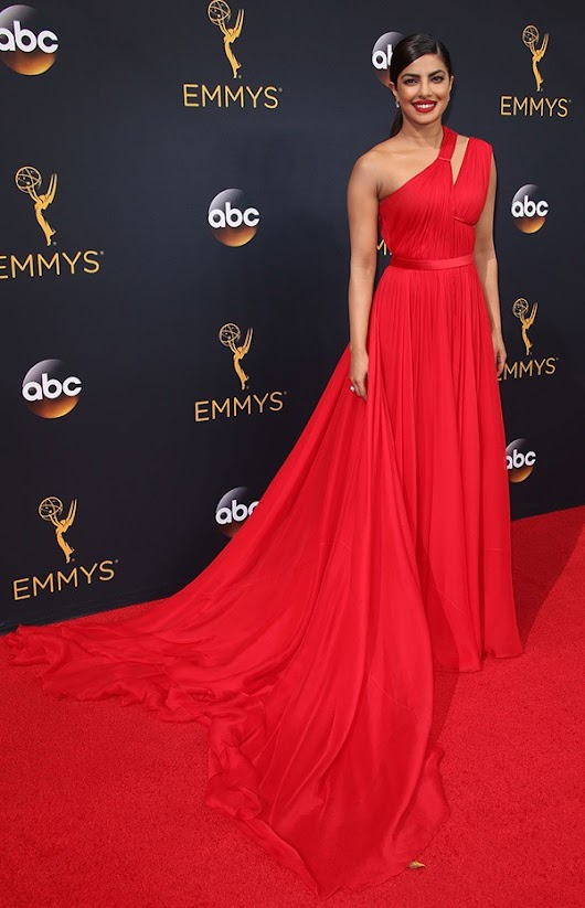 Photos : Lovely Dresses From The 68th Primetime Emmy Awards | Sugar Weddings & Parties