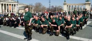 La granița cu România, în Ungaria, pădurile sunt pline de grupări paramilitare instruite pentru lupte urbane Garda Maghiară (Magyar Gárda), Plutonul secuiesc și Frontul Național Maghiar (Magyar Nemzeti Arcvonal – MNA) instruiesc brigăzi paramilitare în România. Sursa:http://necenzuratmm.ro/ancheta-necenzurata/41007-o-armata-formata-din-brigazi-paramilitare-ungare-este-gata-de-lupta.html