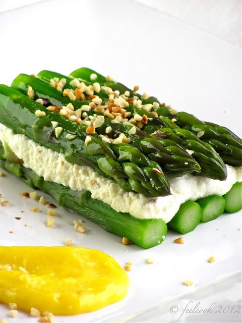 Sandwich di asparagi e ricotta con zabaione al Parmigiano