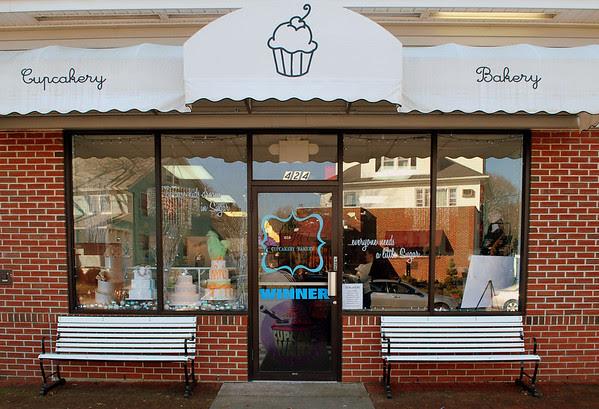 Sugar Cupcakery & Bakery