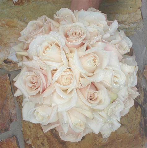 Best 25  Rose bridal bouquet ideas on Pinterest   Pale