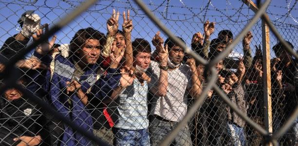 Απεργία πείνας ξεκίνησαν 400 μετανάστες στην Ορεστιάδα – Διαμαρτύρονται για την παράταση της κράτησης