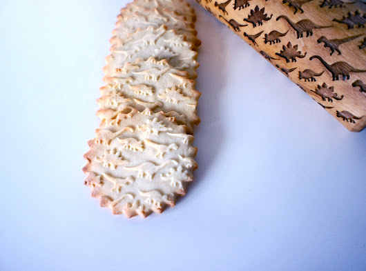 This Baker Made a Laser-Engraved Rolling Pin. Now She Has Dino-Cookies!