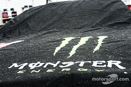 Martinsville Cup qualifying rained out; Truex on pole
