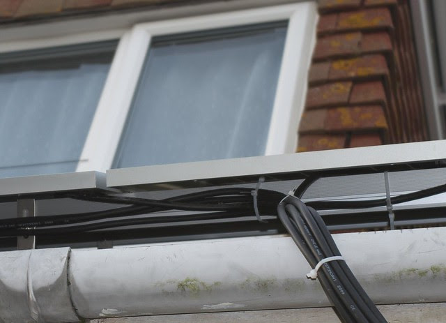 DSC_7185 Fitting solar PV