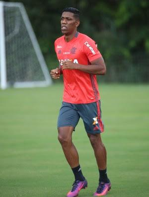 Berrío: jogador tem índices de corrida de velocista (Foto: Gilvan de Souza / Flamengo.com.br)