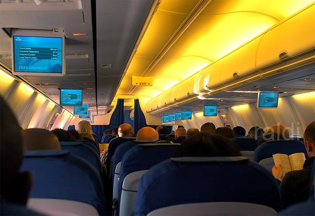 """KLM 737-700 """"Pelican"""" Cabin Overview"""