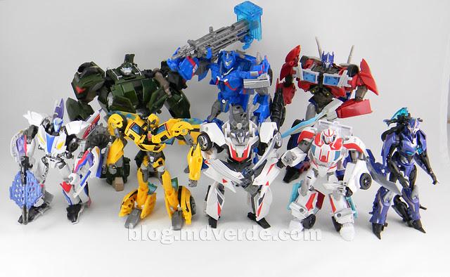 Transformers Ultra Magnus Voyager - Transformers Prime RID - modo robot vs otros Prime