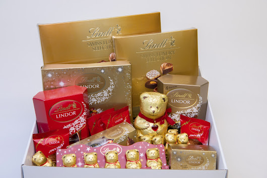 Win a LINDT chocolate Teddy hamper worth R1 000 in the #Lindt12Days campaign - Rattle and Mum