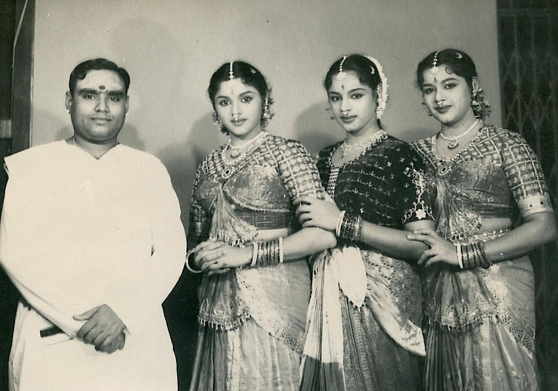 http://www.betsywoodman.com/wordpress/wp-content/uploads/2013/02/Gopalakrishna-Travancore-Sisters-2.jpg