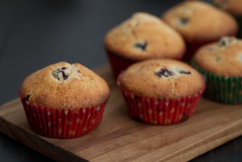 Arooniamuffinid. Black aronia muffins.